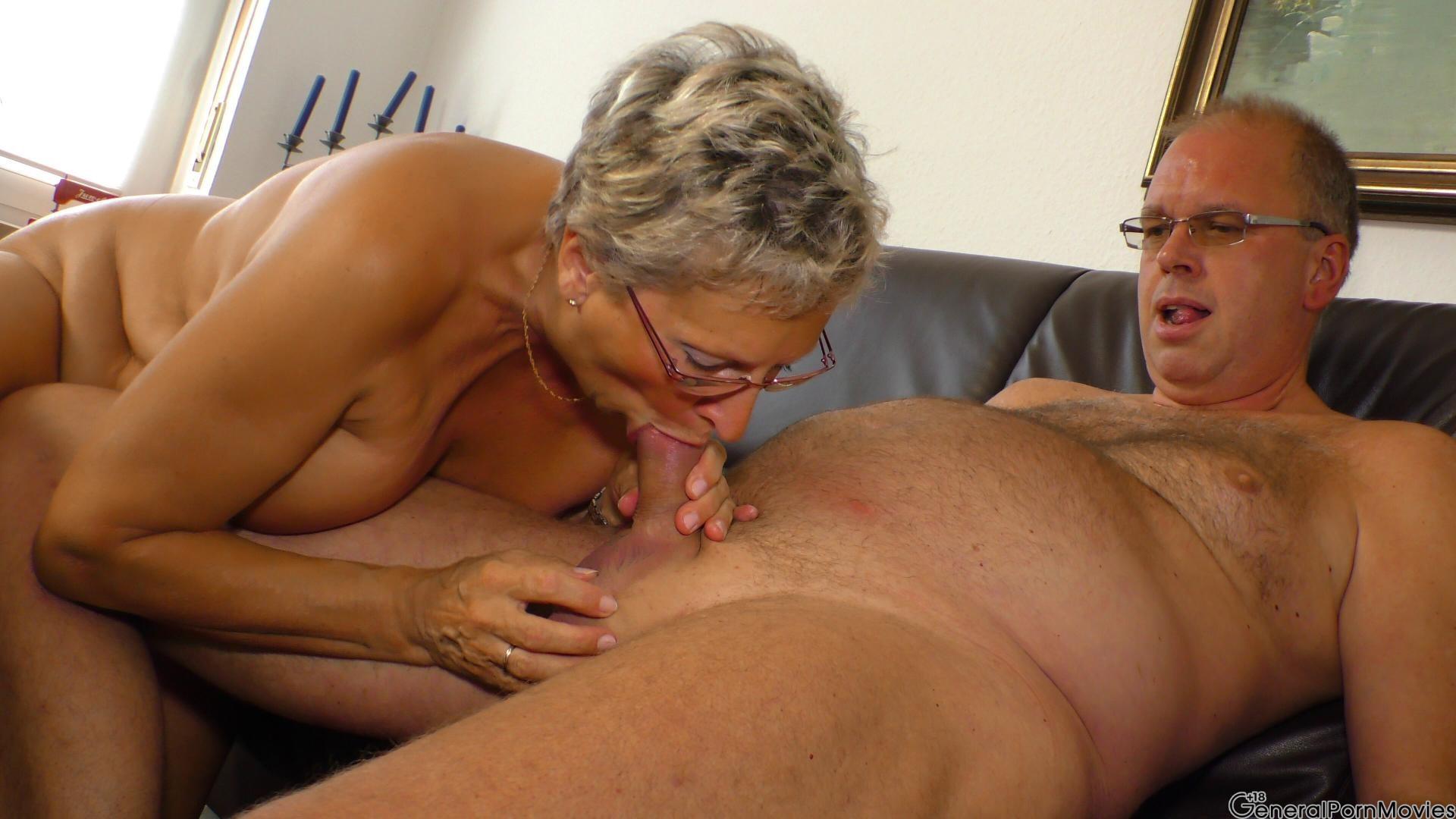 Anya santa boob